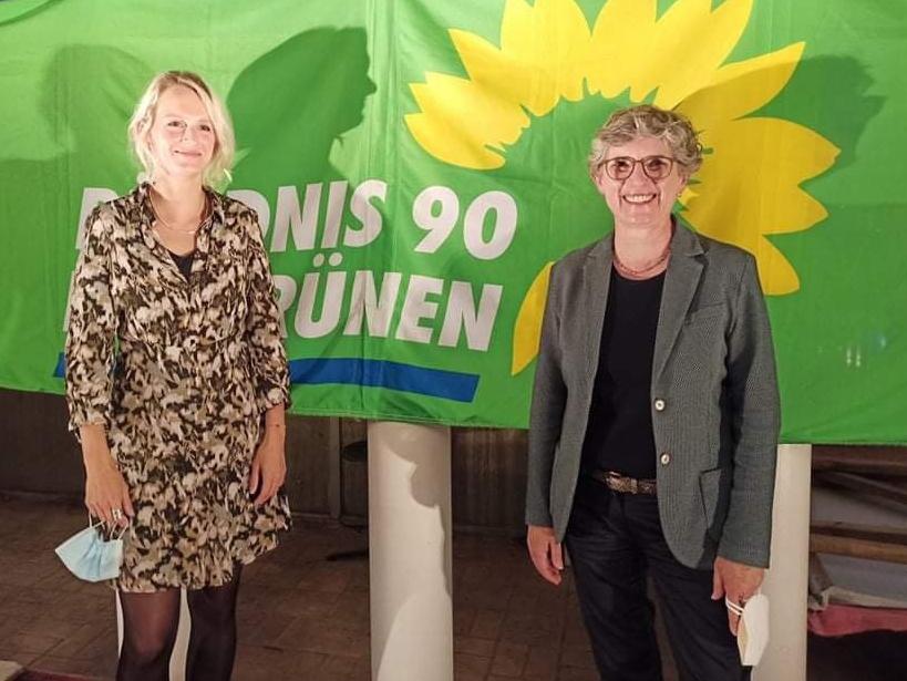 Parlamentarische Geschäftsführerin Britta Haßelmann zu Besuch im Klever XOX-Theater